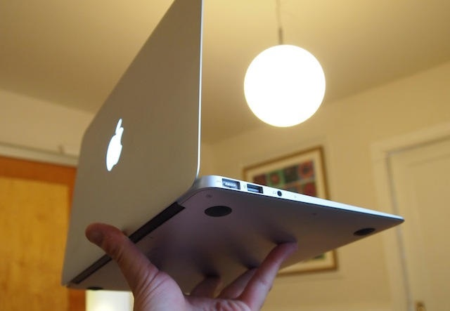 11_inch_MacBook_Air_10