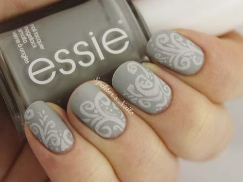 Floral-Matte-Nails grey