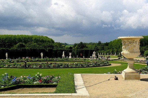 Gardens-at-the-Versailles-Palace-France