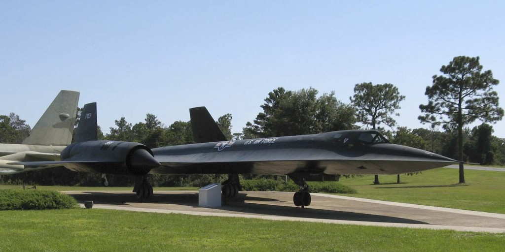 Lockheed_SR-71_Blackbird,_USAF_Armaments_Museum