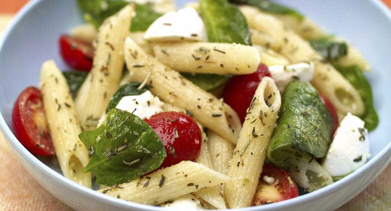 Penne Pasta Salad with Spinach and Tomatoes