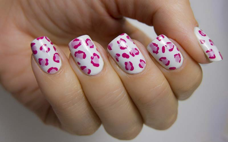 hot-pink-nail-design-ideas sexy