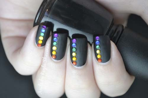 how to put Black-Matte-Nails