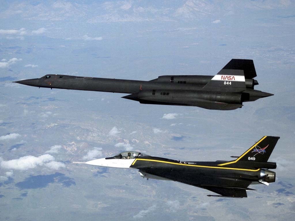 sr-71_blackbird_and f-16xl