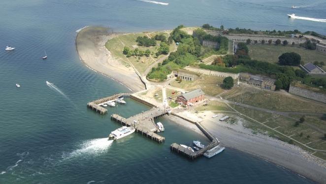 10 Amazing Islands in Canada