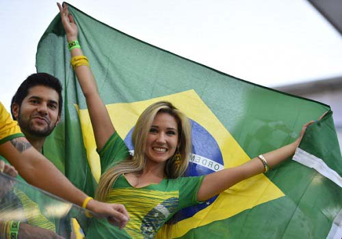 FBL-WC-2014-MATCH01-BRA-CRO-FANS