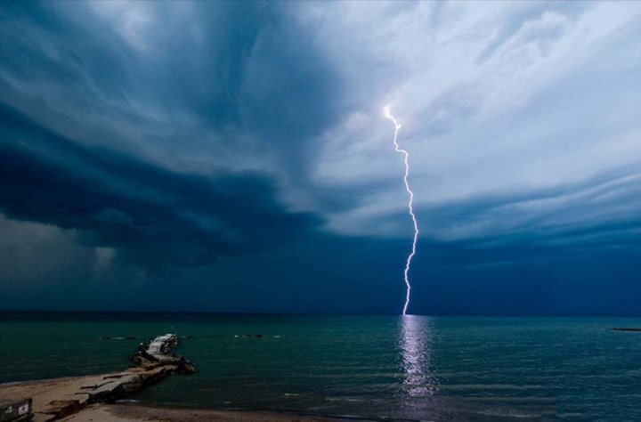 huntington-beach-amazing-nature-beautiful-lightning-high-quality-photos