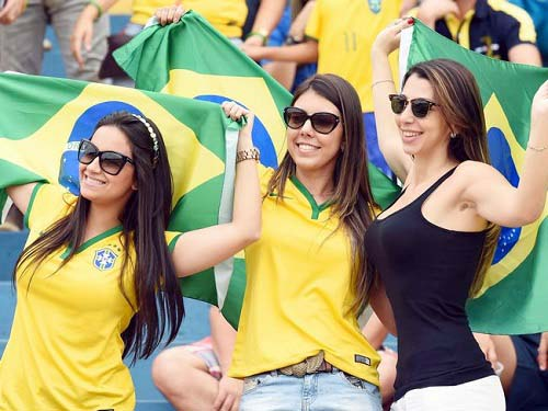lovely women pictures hottest fan of fifa 2014 world cup