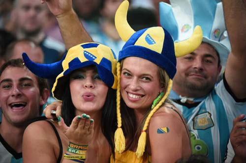 FBL-WC-2014-MATCH11-ARG-BIH-FANS
