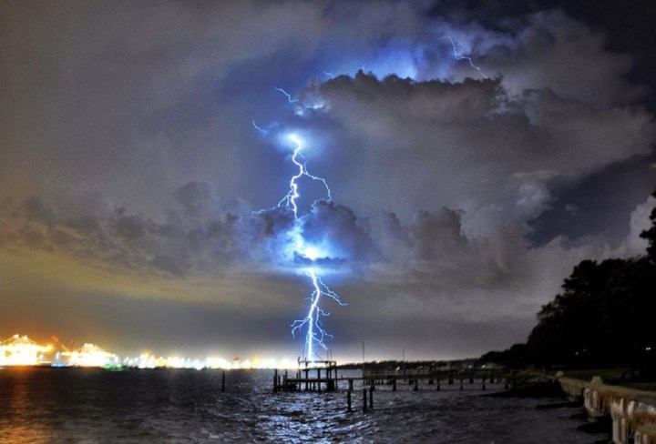 stunning-nature-lightning-high-quality-photo
