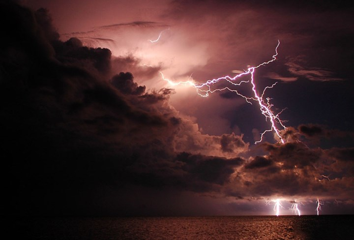 stunning-nature-lightning-high-quality-pics