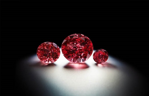 Top 10 Expensive Diamonds in the World The Moussaieff Red Diamond