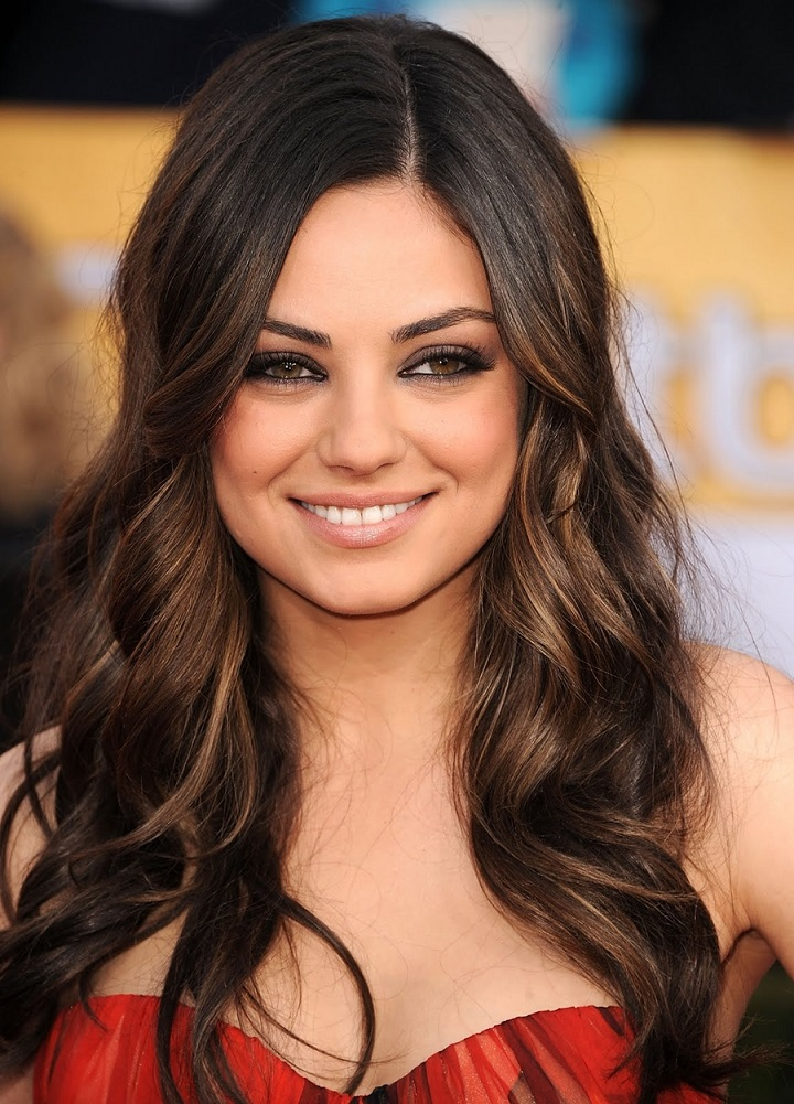 Top Ten Sexiest Hollywood actress mila_kunis_smoky_eye_makeup
