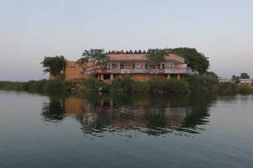 Keenjhar-Lake-Kalri-Near-Thatta-Sindh
