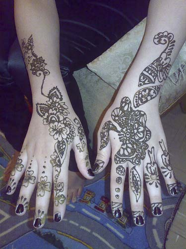 Simple-Hand-Mehndi-Designs-for single finger