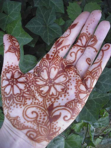 Simple-Hand-Mehndi-Designs