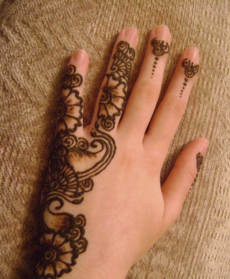 lovely mehndi design