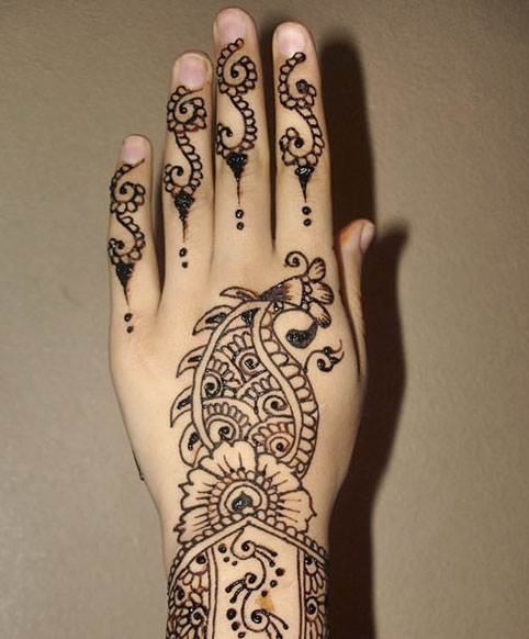 mehndi-design-for-left-hand