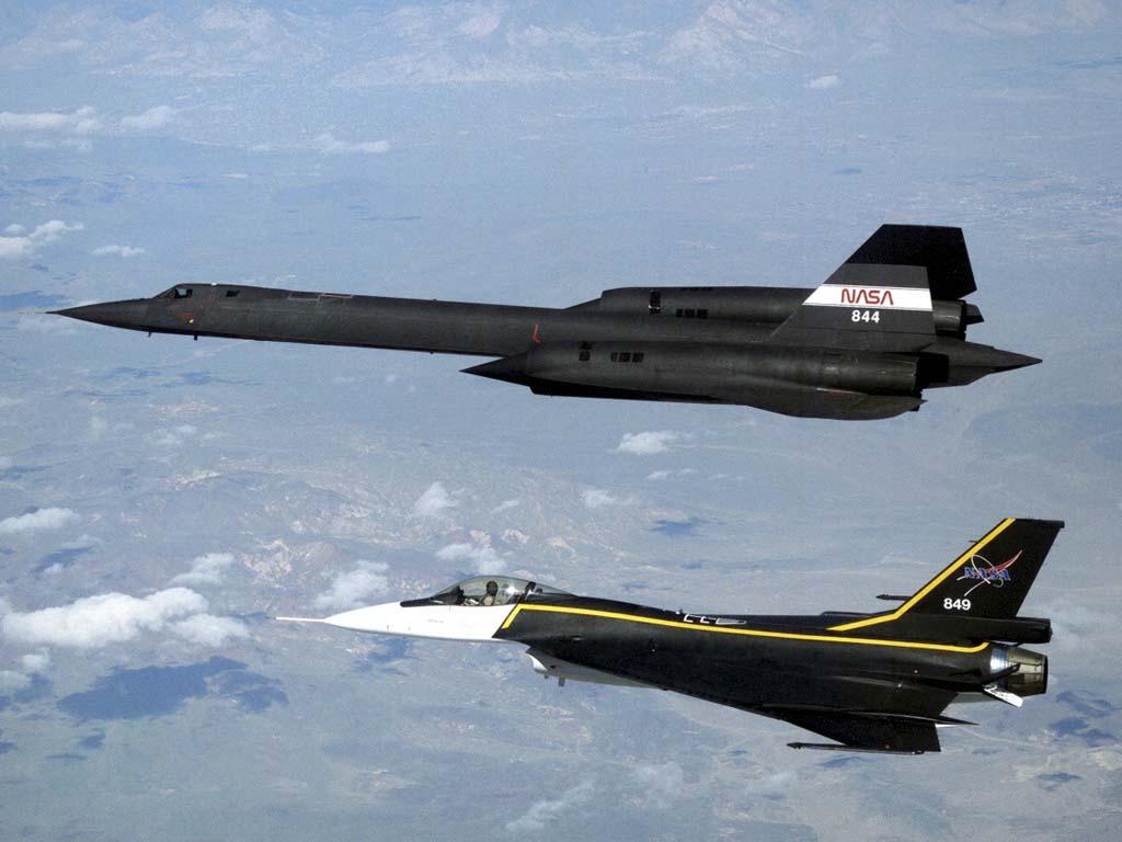 sr-71_blackbird_and f-16xl