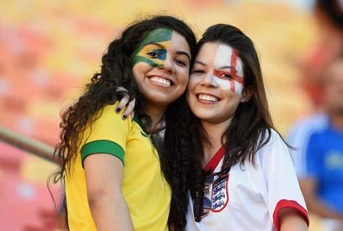 Brazil ENGLAND fifa 2014 female fans