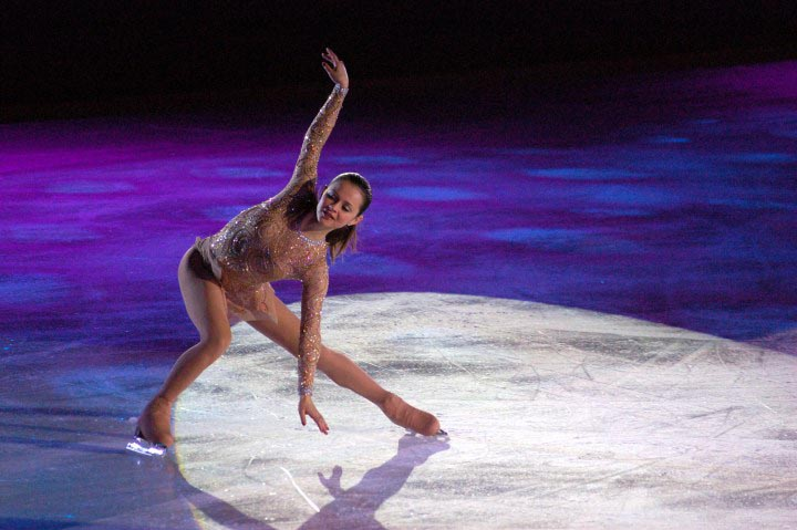 Top 10 Hottest Women Figure Skaters in world
