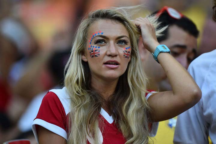 Sexy-World-Cup-fan of england