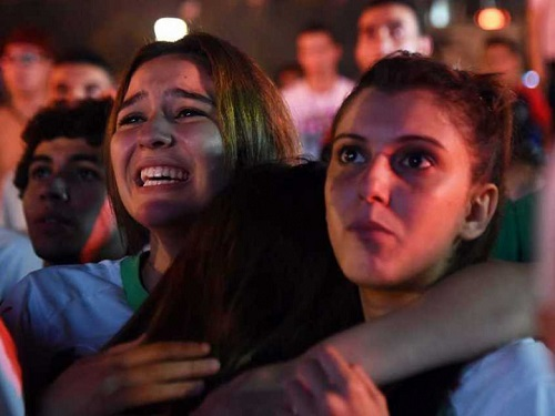 algeria-fans crying at fifa 2014 World cup