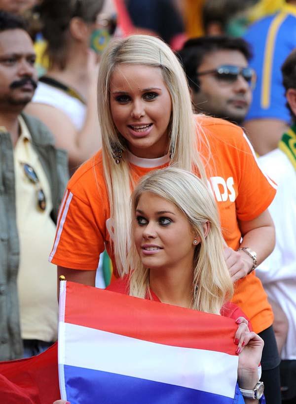 Soccer - 2010 FIFA World Cup South Africa - Quarter Final - Netherlands v Brazil - Nelson Mandela Bay Stadium