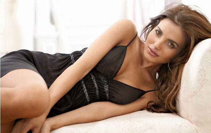 Top 10 Hottest Italian Women Celebrities