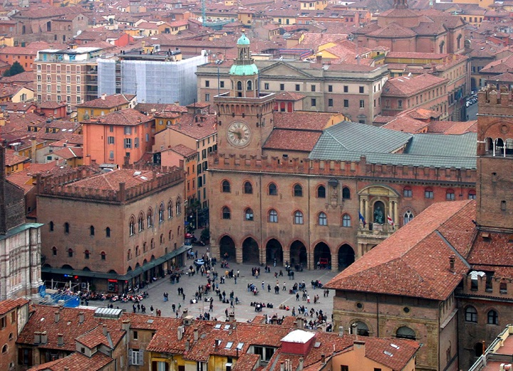 Top 10 Oldest Universities In the World University of Bologna